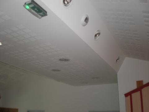 comment peindre plafond avec pistolet peinture drancy prix maison bois en kit etendoir e linge. Black Bedroom Furniture Sets. Home Design Ideas